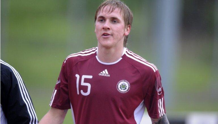 Latvijas futbola izlases kandidātu sarakstu papildina Artis Lazdiņš