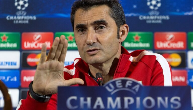 'Barcelona' pagarina līgumu ar galveno treneri Valverdi