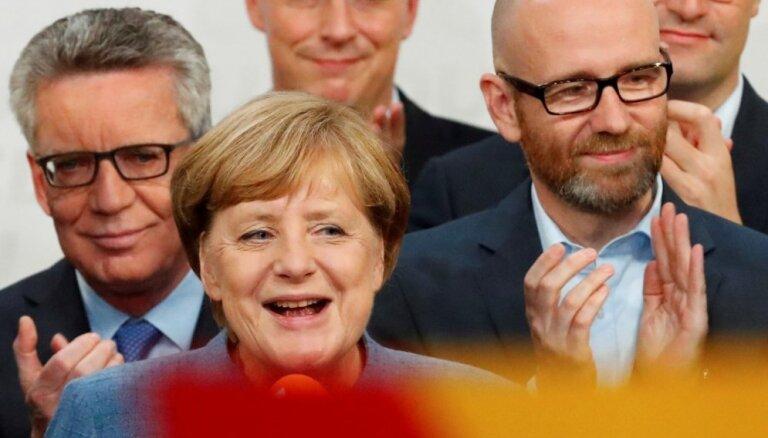 Galīgie rezultāti: Bundestāga vēlēšanās uzvarējuši Merkeles konservatīvie