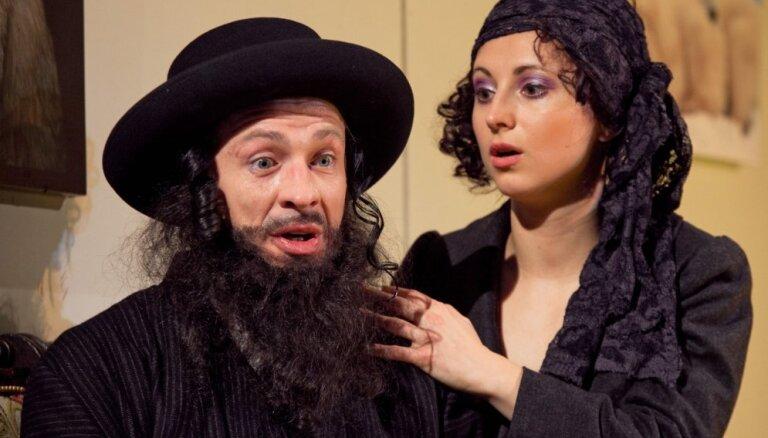 Liepājas teātrī 50. reizi spēlēs izrādi 'Atsaldētais'