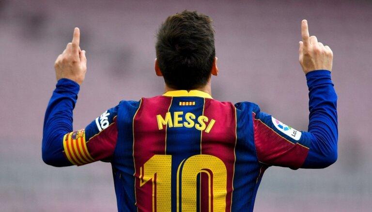 Mesi piekritis 50% lielam algas samazinājumam un vienojies ar 'Barcelona'