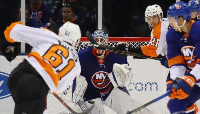 Gudļevski citi NHL klubi neiekāro; vārtsargu nosūta uz AHL