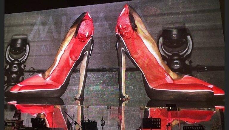 """ФОТО. ВИДЕО. На международной выставке показали """"живую обувь"""""""