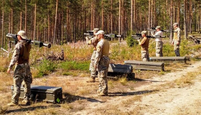 Latvijas armija saņēmusi pretgaisa aizsardzības raķetes 'Stinger'