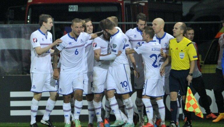 Исландия и Словакия обошли Россию в рейтинге ФИФА