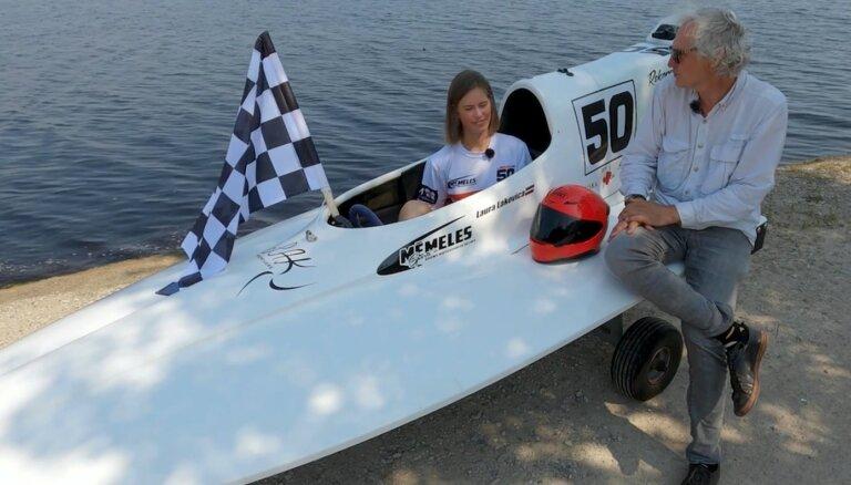 Video: Jaunā Latvijas ūdens motosporta zvaigzne Laura Lakovica pārsteidz Timrotu