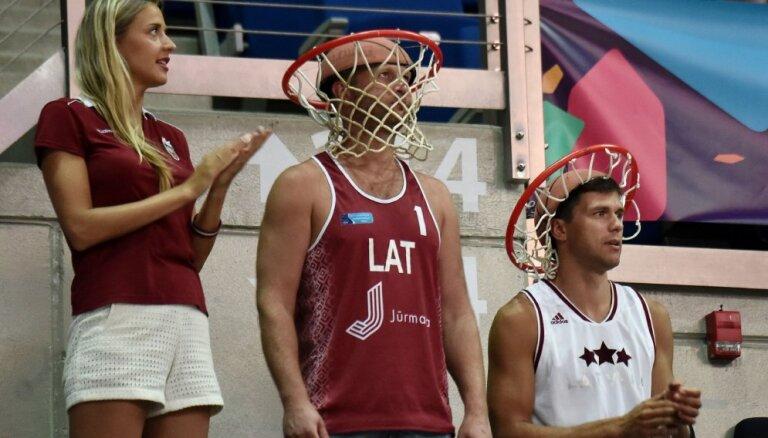 Баскетболисты сборной Латвии уступили туркам в первом матче квалификации ЧМ-2019