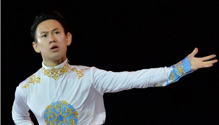 Kazahstānā nodurts Soču olimpiskais medaļnieks daiļslidošanā