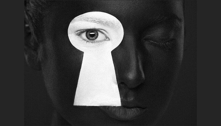 Mākslinieki pierāda, ka optiskās ilūzijas var veidot arī uz sejas