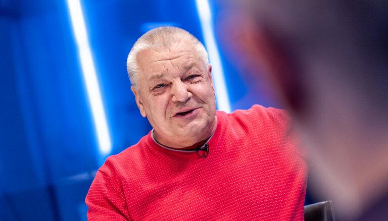 'Delfi TV ar Jāni Domburu' atbild Dainis Prātiņš
