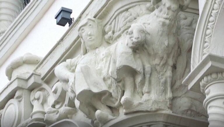 Sašutumu izraisa neveiksmīga skulptūras restaurācija Spānijā