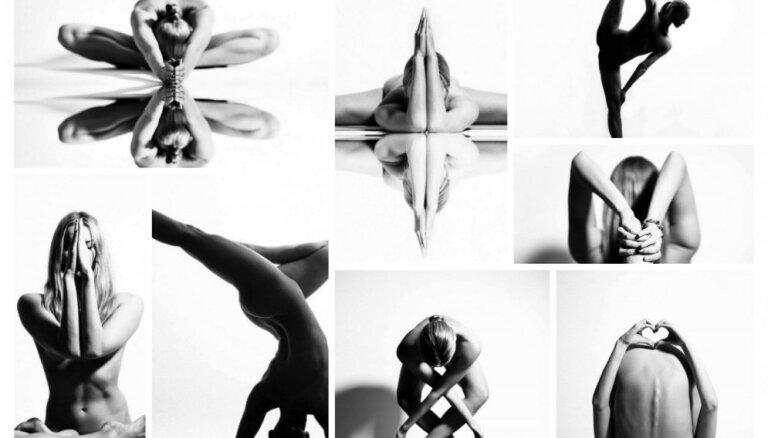 Joga un kailums kā melnbaltās fotogrāfijās iemūžināta māksla