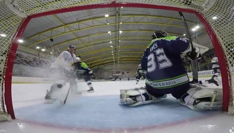 Tiesnesis neieskaita vārtu guvumu Latvijas hokeja čempionāta atklāšanas dienā
