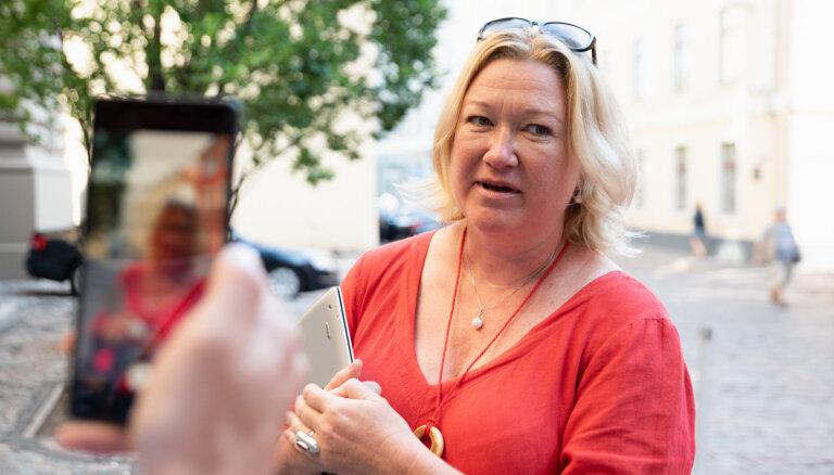 Linda Liepiņa noliek Saeimas deputātes mandātu