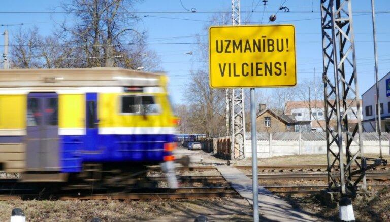 Laikraksts: jaunos pasažieru vilcienus Latvijai gribēs piegādāt vismaz trīs ražotāji