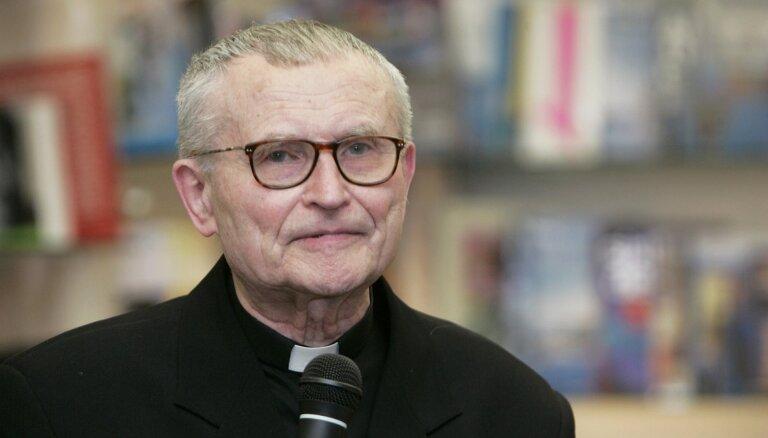 Jānis Pujats: Vēlreiz par baznīcas un VDK attiecībām. Kas ir īstie čekas aģenti?