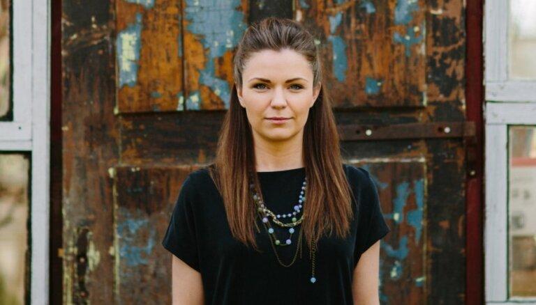Dziedātāja Marta Grigale izdod jaunu dziesmu un maina skatuves vārdu