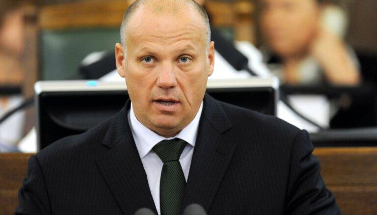 Министр обороны про учения ВДВ РФ вблизи Латвии: они учатся нападать