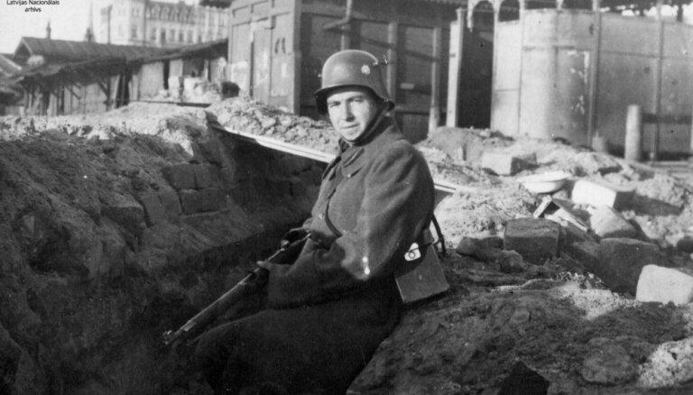 1919. gads: Cēsu kaujas, Rīgu atbrīvo no Bermonta karaspēka, dibina Nacionālo bibliotēku