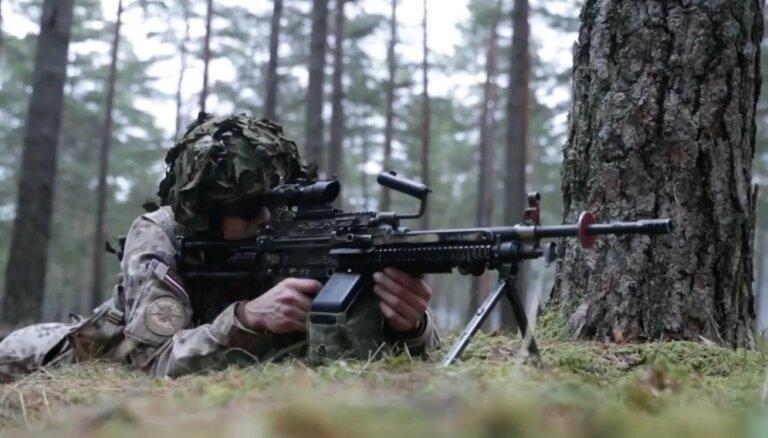 Īsfilma: Kā attīstījās Latvijas aizsardzība no Brīvības cīņām līdz NATO