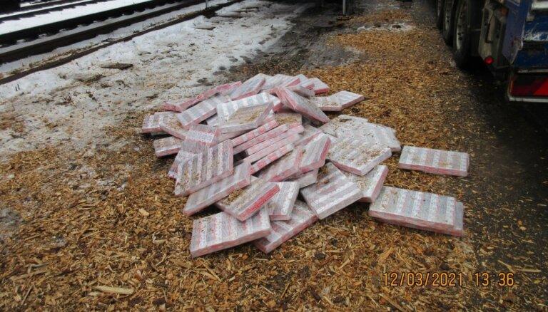Foto: VID uziet 1,2 miljonus kontrabandas cigarešu