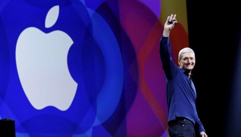 Главы Facebook и Apple поспорили о правах юзеров