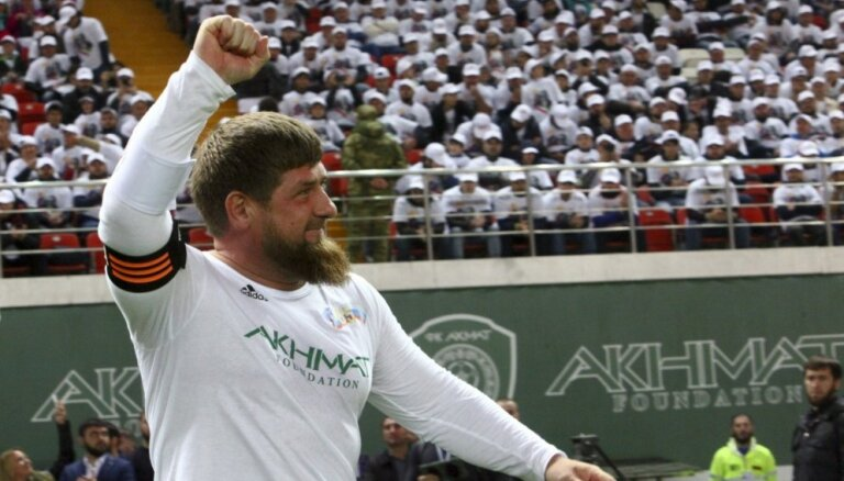 Кадыров объяснил уволенному из UFC чеченцу, как надо было бить Макгрегора