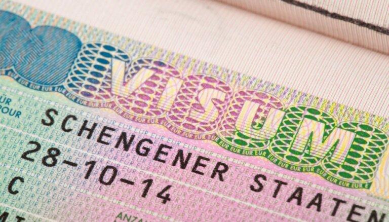 Сейм одобрил аннулирование виз и ВНЖ за нарушения самоизоляции