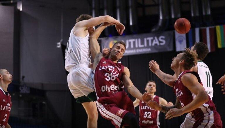 Latvijas izlase 'Baltijas ceļa' basketbola turnīru sāk ar zaudējumu lietuviešiem