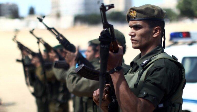 Izraēla vērš gaisa triecienus pret 'Hamas' mērķiem Gazas joslā