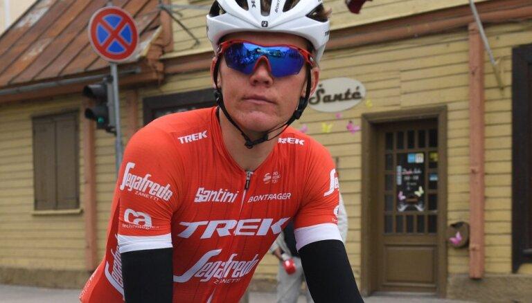 Skujiņš 'Tour de France' 11. posmā iesaistās atrāvienā; par jauno līderi kļūst Tomass