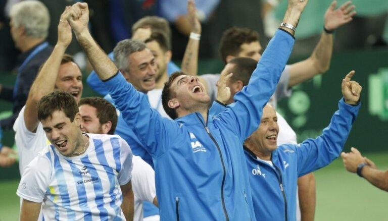 Argentīna uzvar izšķirošajās vienspēlēs un pirmo reizi vēsturē izcīna Deivisa kausu