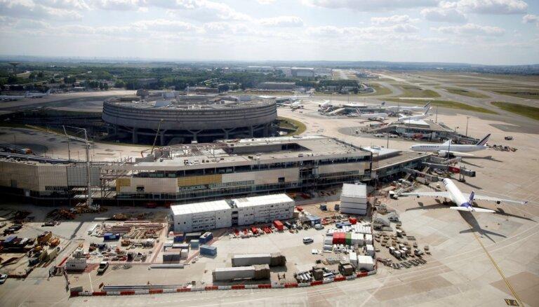 Hītrovas lidosta zaudējusi Eiropas noslogotākās lidostas statusu