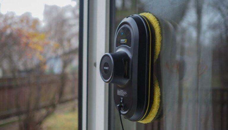 Uzkopšanas darbus mājās atvieglo logu mazgāšanas robots