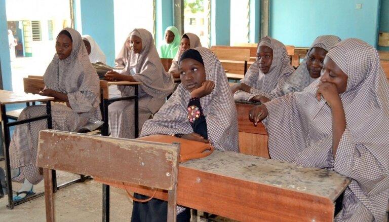No 'Boko Haram' ķetnām atbrīvo 21 nolaupīto meiteni
