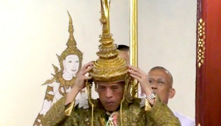 Foto: Kronēts Taizemes karalis Maha Vačirālongkorns