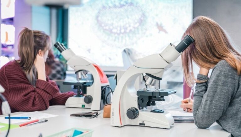 Augstskolas: Šogad topošie studenti augstu vērtē studiju iespējas medicīnā, tiesību zinātnē, komunikācijā un inženierijā