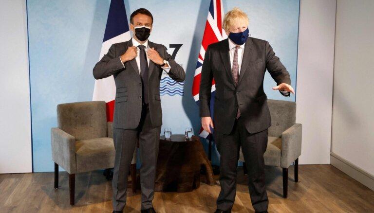 СМИ: Макрон и Джонсон поссорились на саммите G7