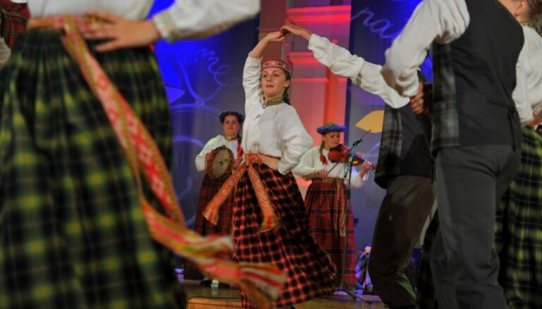 Foto: Izskan XI Latvijas skolu jaunatnes dziesmu un deju svētku ceturtā diena