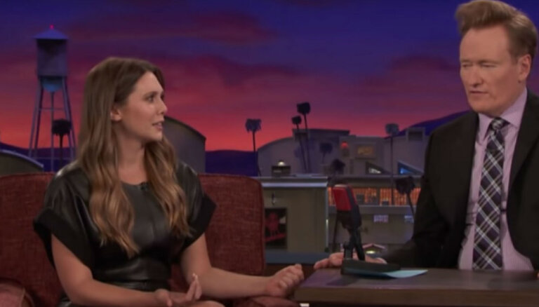 Video: Holivudas aktrise amerikāņu šovā māca krievu lamuvārdus