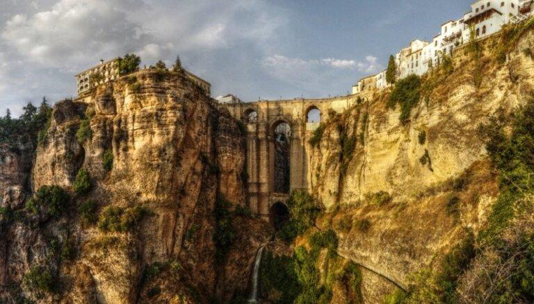 Viena no pasaules skaistākajām vietām - Ronda Spānijā, kur 'dzimušas' vēršu cīņas