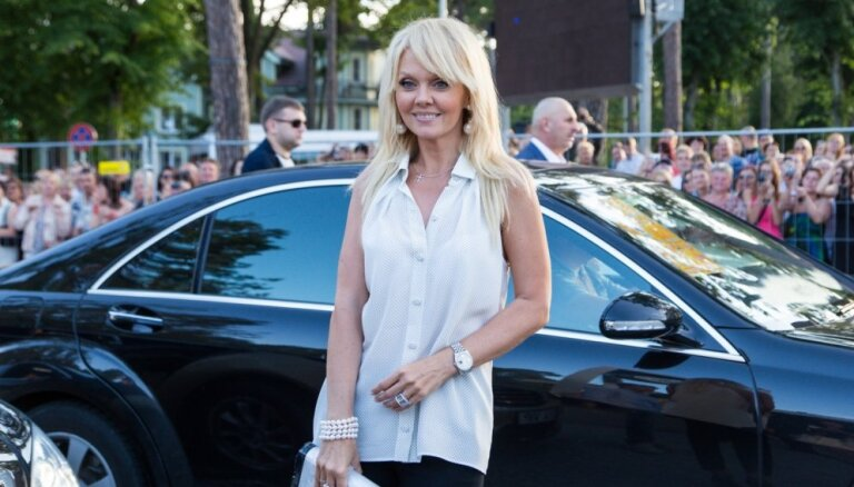 Певица Валерия напишет письмо президенту Латвии