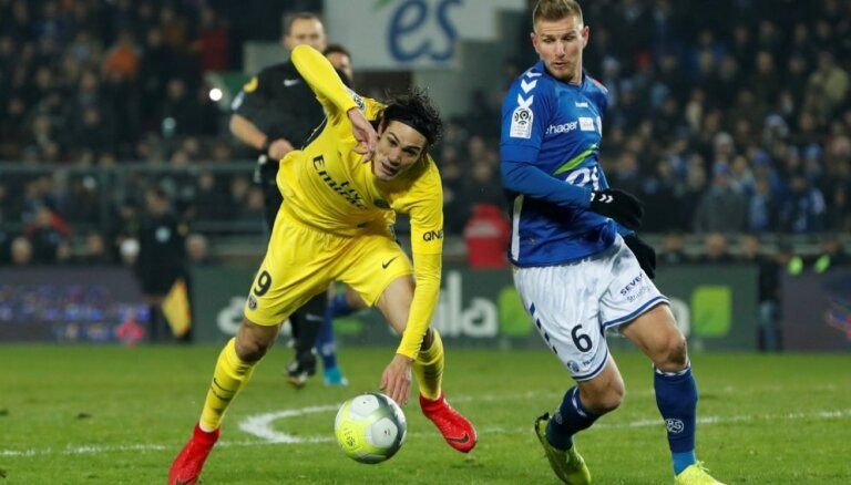 'Paris Saint-Germain' piedzīvo pirmo zaudējumu šosezon
