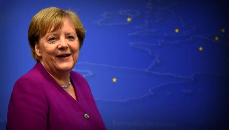 Aizvien skaļāk izskan aicinājums Merkeli virzīt Eiropas vadībā