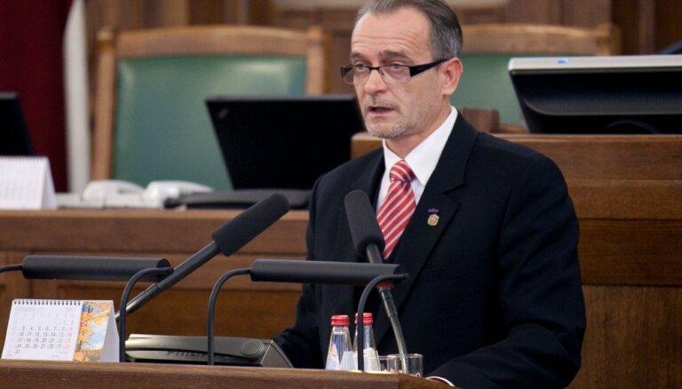 Rasnačs atbalsta 'juridisko analīzi' par Stambulas konvenciju
