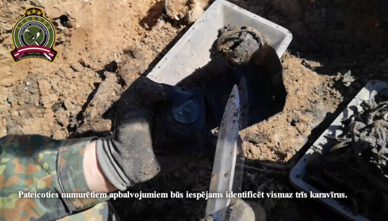 Pampāļos pie ceļa atrastas 145 karavīru mirstīgās atliekas