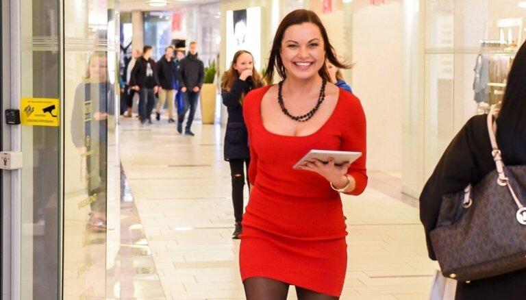 Foto: Evija Skulte jož pa lielveikalu ļoti draiskā kleitiņā
