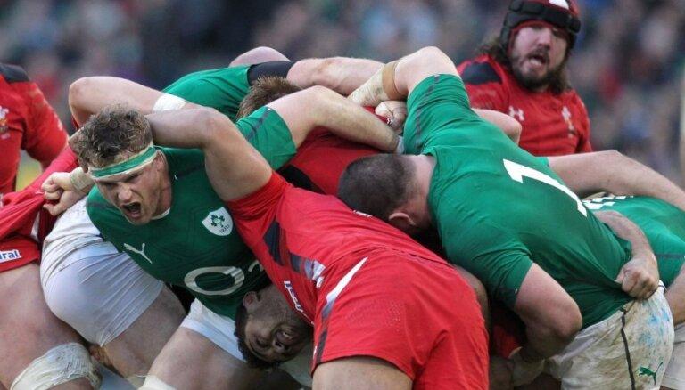 Īrijas regbisti sakauj Sešu nāciju čempioni Velsu