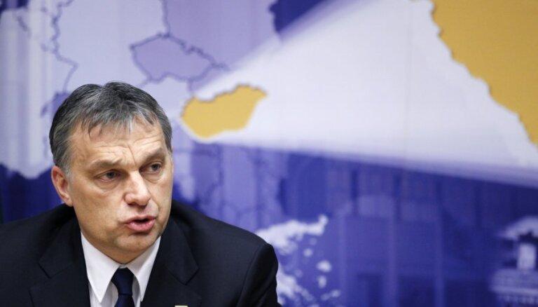 Ungārijas parlaments apstādina Orbana anti-migrantu plānu