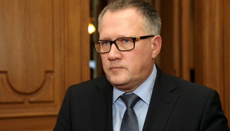 Koalīcija ir ļoti tuvu gala lēmuma pieņemšanai par nodokļu reformu, uzsver Ašeradens